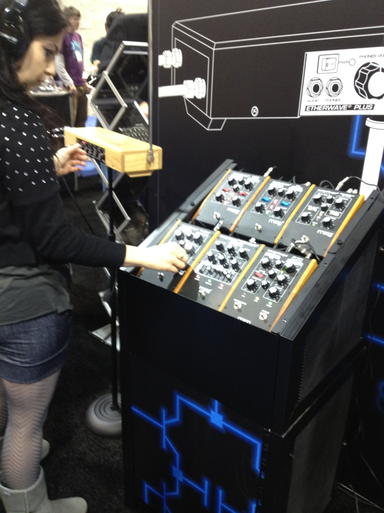finally got to play a theremin!